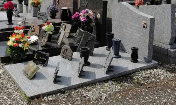 Sépulture plaque funéraire Roubaix Cartigny
